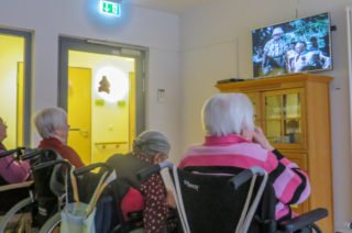 Kinoabend mit Popcorn: Auch während der Corona-Zeit gibt es im Haus St. Josef viele Freizeitangebote. (Foto: Alexander Hauffen/SMMP)